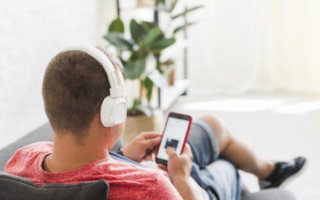 Manfaat Mendengar dengan Kedua Telinga