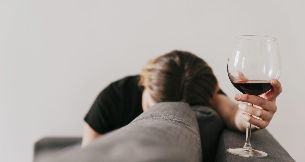Alkohol menyebabkan Gangguan Pendengaran