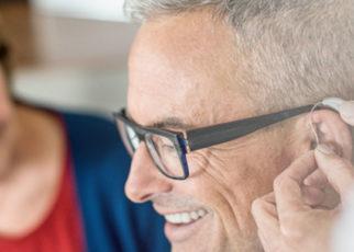 Memantau Kesehatan Otak Pada Lansia dengan Livio AI