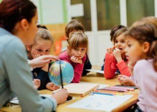 Tips Komunikasi Untuk Anak Dengan Gangguan Pendengaran Di Sekolah