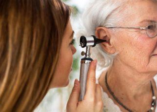 Menjaga Kesehatan Telinga Bagi Lansia Secara Tepat