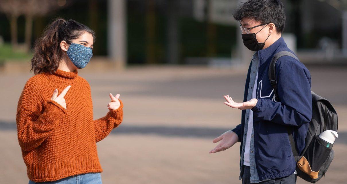 Cara Lebih Mudah Mendengar Saat Menggunakan Masker