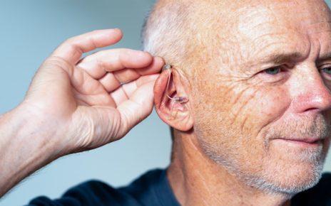 Pengobatan Telinga Berdenging dengan Musik dan Alat Bantu Dengar