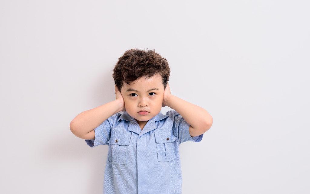Ciri-ciri Infeksi Telinga Anak, Penting Untuk Dipahami Orang Tua